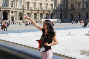 Tour guide in Paris