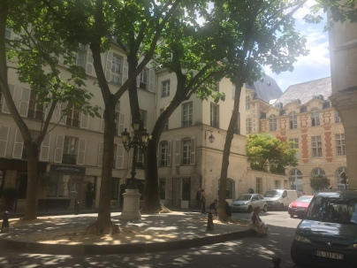 Saint-Germain-des-Pres - Private walking tour in Paris - yourtourinparis.com